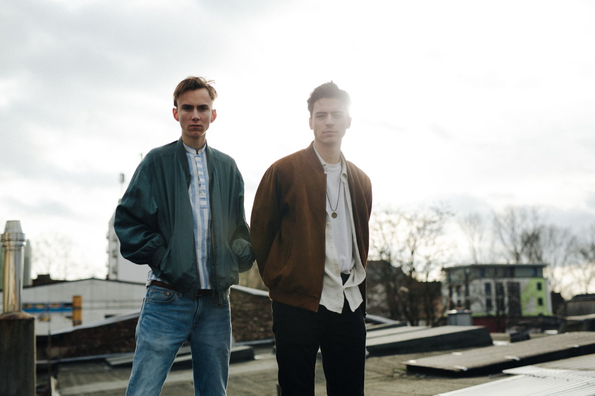 Maschinerie A carpenter and a barista, old schoolmates – the duo Maschinerie from Cologne offers a fresh take on electronic pop music – an eclectic style with a mix of catchy melodies and lyrics and an undertone of melancholy.